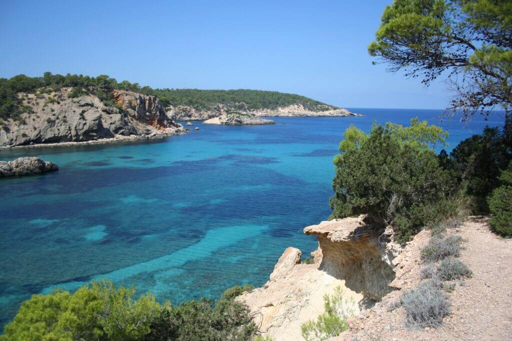 Cala Portinatx Tubbber Ibiza
