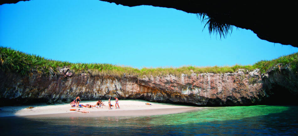 The Most Wonderful Mexican Beaches for Adventurous Sailors