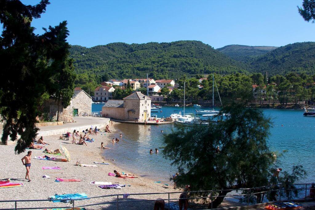 Bay of Stari Grad - Sailing route Croatia